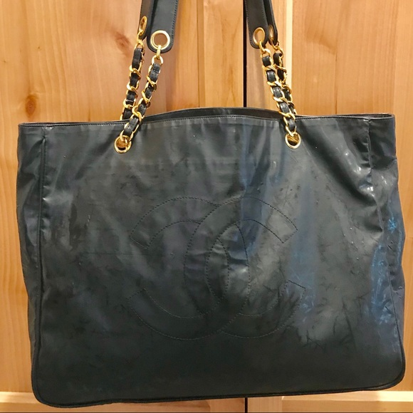 7972fe2c61f8a3 CHANEL Bags | Cc Tote Bag Large Gold Chain Straps | Poshmark